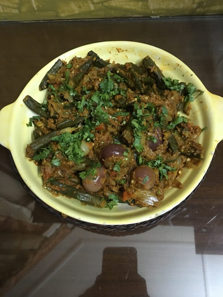 Garnish with coriander leaves and serve hot.