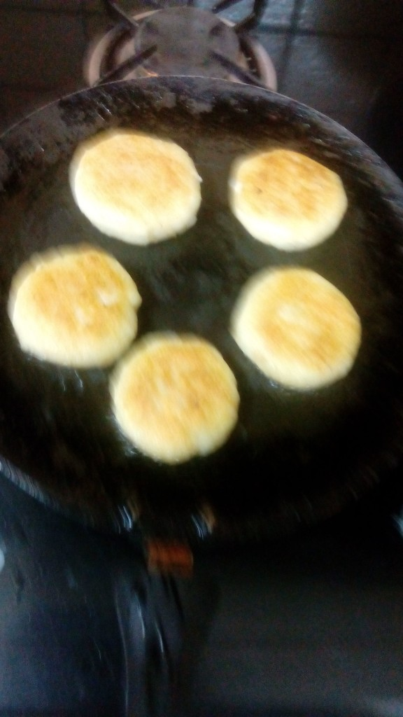 Shallow fry it on non-stick tava and apply few drops oil on it ,put the tikki on tava until it becomes golden brown.now tikki is ready.(everything is shown in the pic)